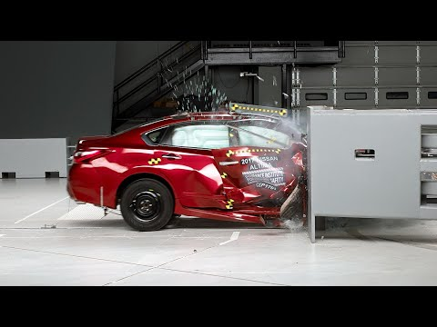 2017 Nissan Altima passenger-side small overlap IIHS crash test
