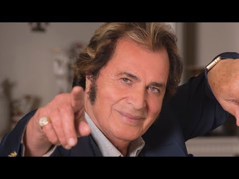 Engelbert Humperdinck Commentary on 'The Man I Want to Be'