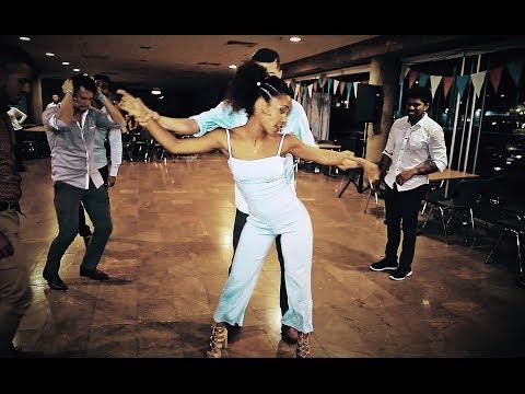 Rumba Y Salsa Cubana 5 Chicos Y 1 Chica - El Secreto De Alexander Abreu.  #SalsaCubana #RumbaCubana