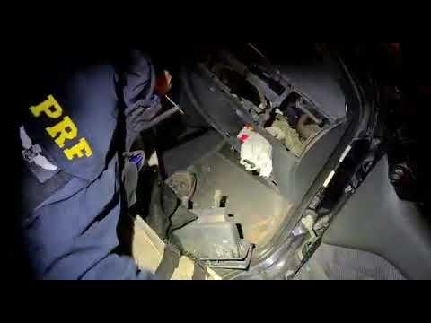 PRF encontra cocaína em painel de veículo em Patos de Minas