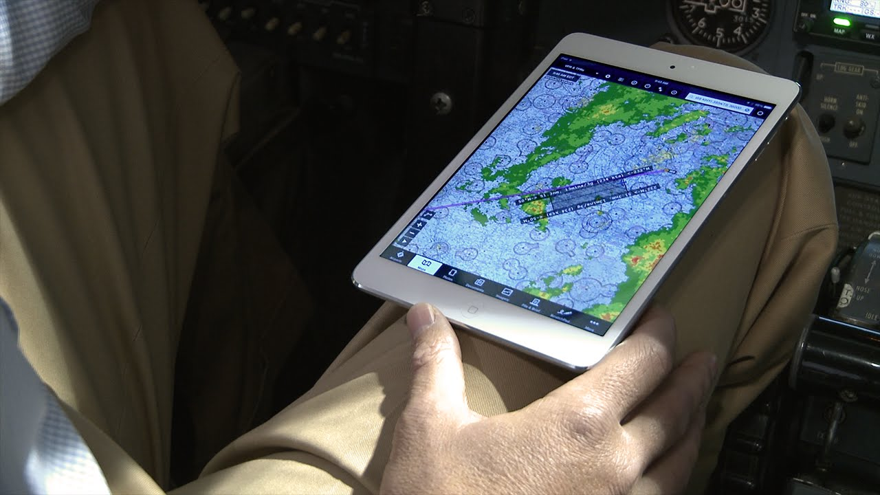 f3da1c2695c Stratus Stories -- Flying with ADS-B weather in Corporate Aviation - YouTube