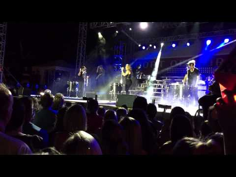 The Band Perry - Better Dig Two - Burlington Steamboat Days 2015