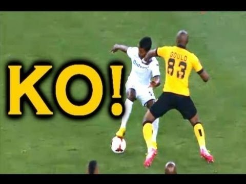 M An Gould Punches Player In Face Kaizer Chiefs Vs Bidvest Wits
