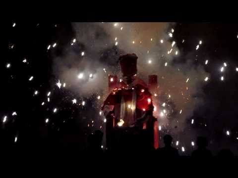 Lewes Bonfire Night 2010 - An effigy of The Pope is blown up