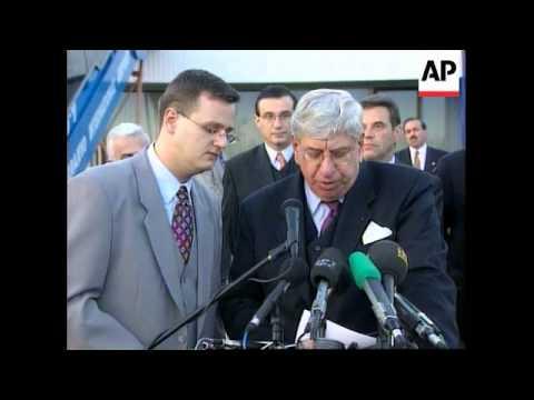 BOSNIA: YUGOSLAV PRESIDENT KOSTUNICA VISIT (2)