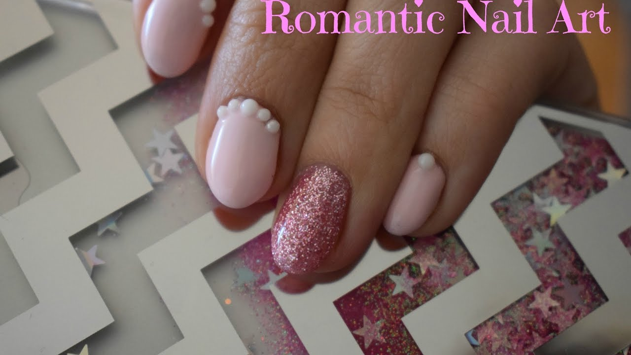 copertura gel unghie naturali con nail art rosa glitterata ...