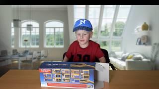C64 mini beim SpielzeugTester - Julian ohne Fernseher. Jetzt abonnieren