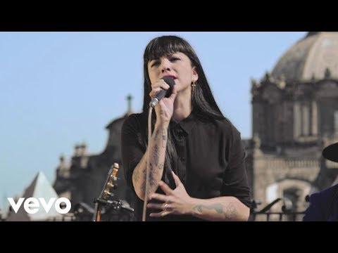 La Santa Cecilia - Ingrata (En Vivo) ft. Mon Laferte