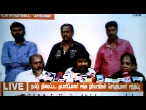Vikraman,President,Directors Association addressing reporters, expressing gratitude to Parivendhar