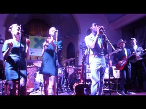 Leon Bridges - Twistin' & Groovin' (SXSW 2015) HD