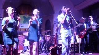 Leon Bridges - Twistin' & Groovin' (SXSW 2015) HD