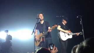 Blink 182 - Waggy Acoustic Live in Liverpool