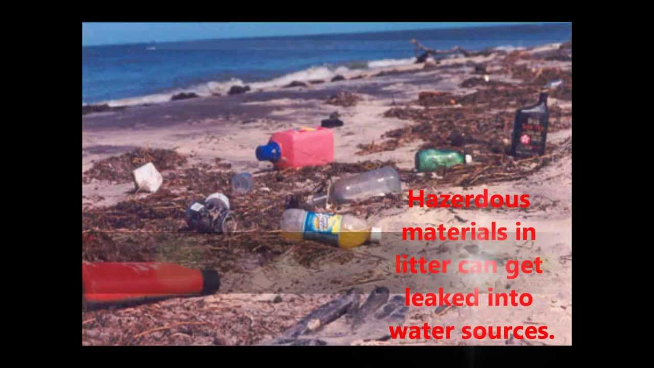 what are the effect of littering Litter affects the earth by introducing toxic foreign substances into the air and water, posing risks to wildlife and plants, creating aesthetic harm and contributing to the production of greenhouse.