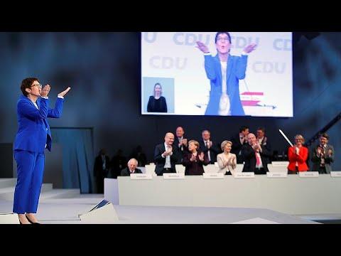 المرشحة لخلافة ميركل تهدد بالاستقالة من زعامة الاتحاد المسيحي الديمقراطي ..لماذا؟ …
