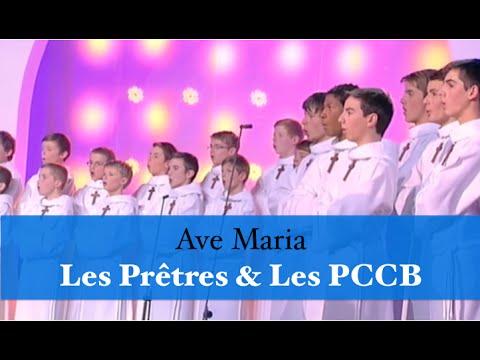 """Les Prêtres Chantent """"Ave Maria"""" Avec Les Petis Chanteurs à La Croix De Bois"""