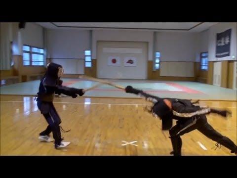 苗刀比賽的精彩鏡頭  Portuguese Stickfighting JOGO DO PAU_360p)   by 吳皞天