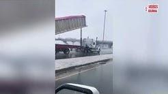 Truck hits overpass near Trois-Rivières, Quebec