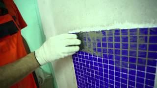 6. Затирка швов: Укладка мозаичной плитки. Крепс Усиленный Белый(Мозаика на стене в ванной (и не только) - это красиво. Однако процесс укладки мозаичной плитки несколько..., 2014-05-16T14:51:59.000Z)