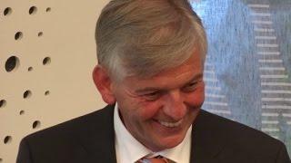 Dr. Manfred Schmidt [Präsident des BAMF] gibt Einblicke in die Asylproblematik