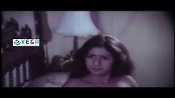 Guru Movie - Sridevi Romantic Scene