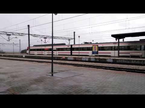 RENFE 446 pasando por Pinar de Las Rozas