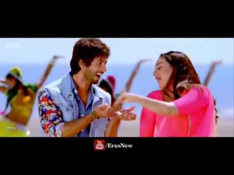 Saree Ke Fall Sa Song ft. Shahid Kapoor &...