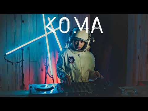 Janelle Monáe - Make Me Feel (EDX's Dubai Skyline Extended Mix)