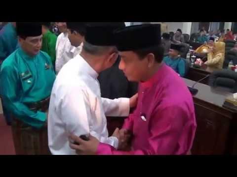 Bupati Achmad Salaman dengan Sukiman di Paripurna HUT Rohul ke 16 2015