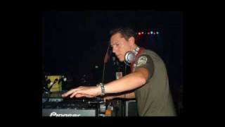 14. Tiesto &  Armand van Helden  Funk Phenomena (Starkillers 2009 Remix) CluB Life 143
