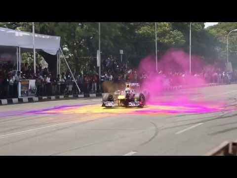 David Coulthard Red Bull show car run Hyderabad, 5th April 2015