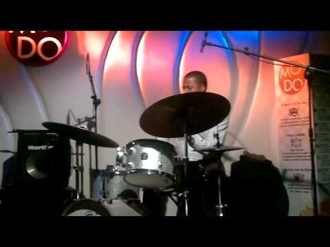 Nasheet Waits drum solo -  al Modo Live - Salerno