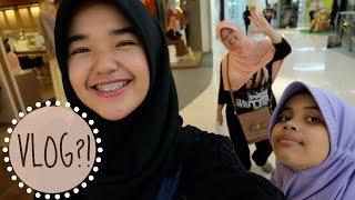 Download Video VLOG?! [1] Ke Mall 2 Huruf! (Indonesia) || Nada Syifaa MP3 3GP MP4