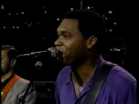 Robert Cray Band - Right Next Door (Because Of Me) Live 1990