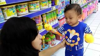 Toy Hunting with Baby Rei | Nursery Rhymes and Kids Song