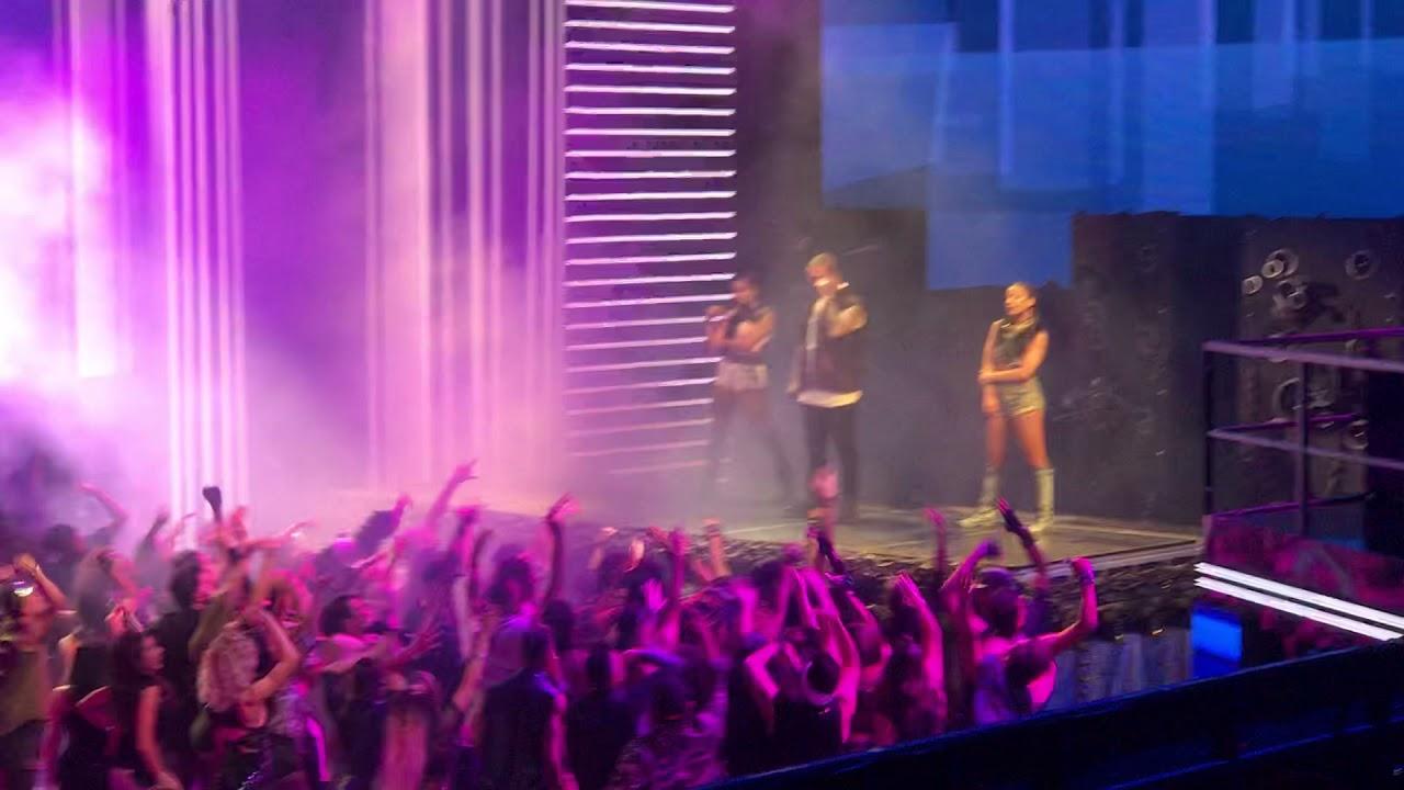 J Balvin, Anita, Jeon Machika en Premios Lo Nuestro 2018 #1