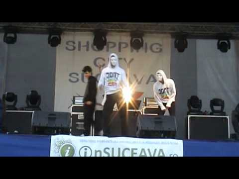 Vlado feat. D*G @ concert SNAP! (Suceava) part 1