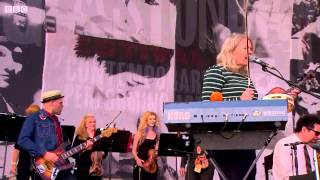Belle & Sebastian - If You Find Yourself Caught in Love - live