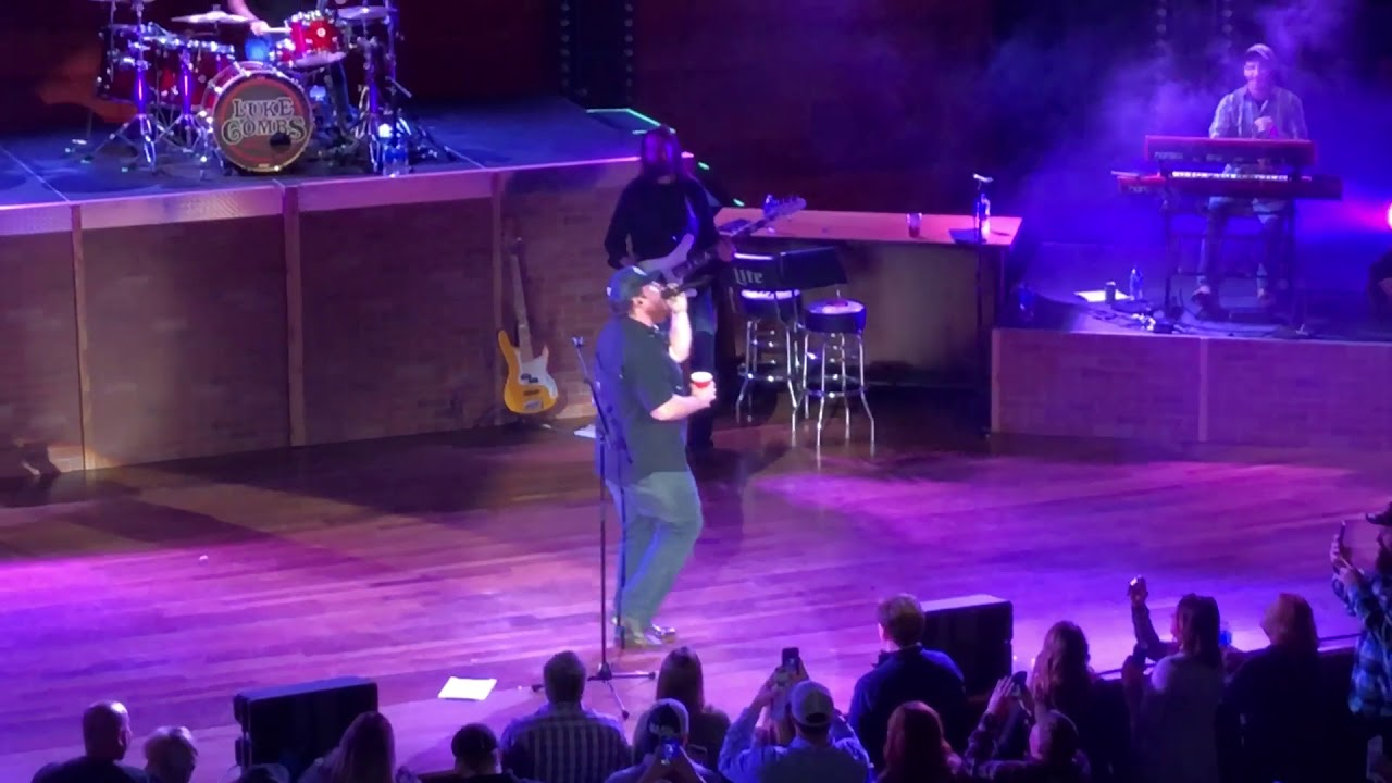 Luke Combs Covers Chris Stapleton Tennessee Whiskey at Ryman image