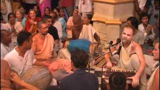 Hare Krsna Kirtan At Sri Vrindavan Dham w/ Aindra Prabhu ep2