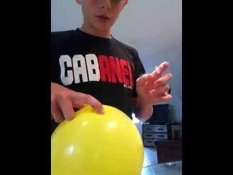 Defi n 8 comment planter un aiguille dans un ballon sans le crever youtube - Comment degonfler un ballon ...
