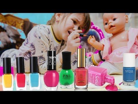 Яна с Куклой Диана играют в Салон Красоты Дизайн ногтей  Paint The Nail Art Designs макияж Make Up