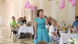 Мама спела на свадьбе сына