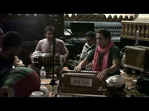 Bhajan - Visvambhar das - Gurudeva Krpa Bindu Diya