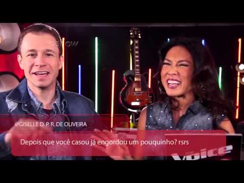 The Voice Web: Tiago Leifert ataca de pop star