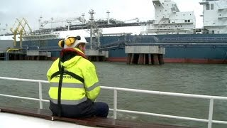 La frêle Lituanie face au géant russe Gazprom - reporter