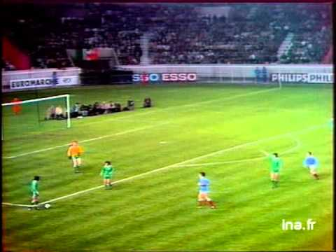 FRANCE - EIRE        1976