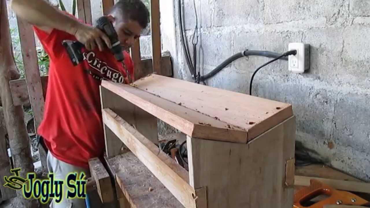 Como hacer una banquita de madera facilmente youtube for Crear una cubierta de madera