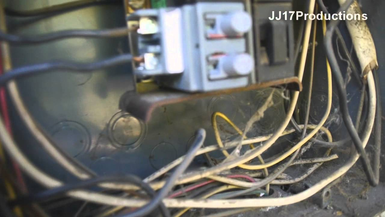 how to change a pushmatic circuit breaker diy electrical pushmatic load center youtube [ 1280 x 720 Pixel ]