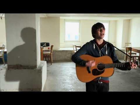 "Rekorder: Jake Bugg spielt ""Two Fingers"""