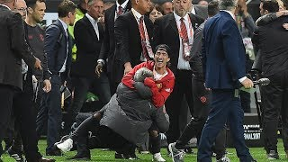 Manchester United Celebration Europa League   Players lift Europa League Trophy 2017